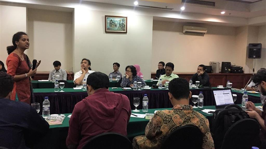 Ms. Shiny Samuel of Godrej Green Business Centre explained methodological and procedural aspects of GHG accounting of companies and shared international best practices. Jakarta, 7 December 2016