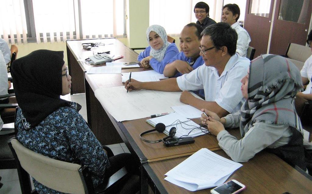 Group discussion during an introductory training on RECP methods for textile and garment factories, Bandung, 5 September 2016.