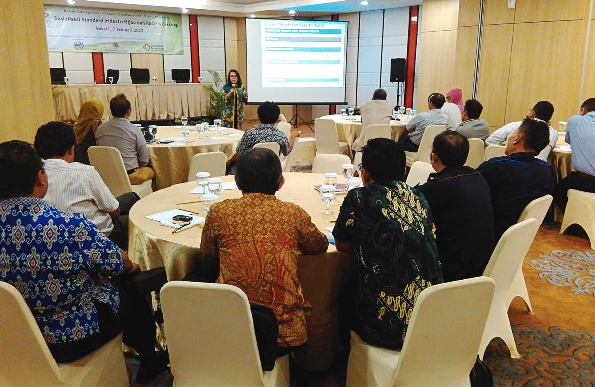 Mrs. Luciawati Sunarjo of CADGIE provided an update on Green Industry Certification (GIC). Bekasi, 7 February 2017