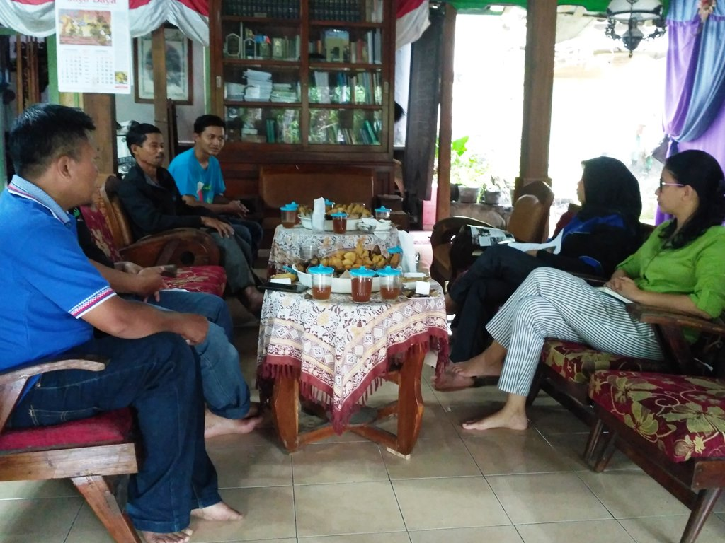 RECP Club Coordinator and Facilitator were having   discussion with Gabugan Tourism Village  management