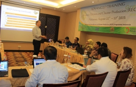 Chief Technical Advisor Rene Van Berkel, Ph.D. delivered the training materials to (trainee) National Experts in Makassar in the continued training with more thematic issues covered.